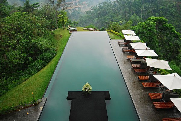 Endearing Infinity Pool Design