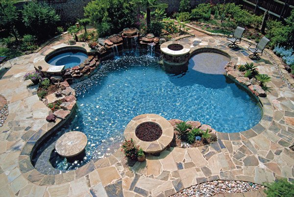16 splashing outdoor pool designs for wonderful recreation for Backyard swimming pool designs