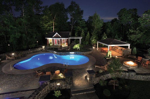 Spectacular Pool Design