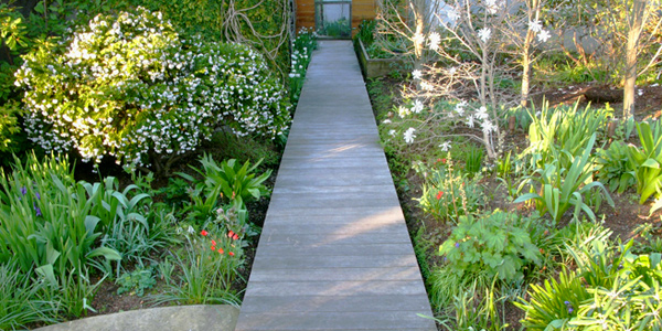 Have an appealing entry walk and walkways