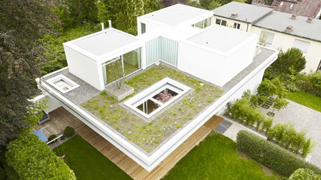 The Distinct And Simple Rooftop Garden Of House S
