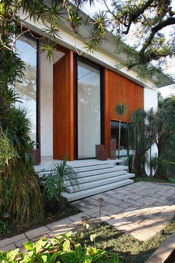 Itiquira House Exterior
