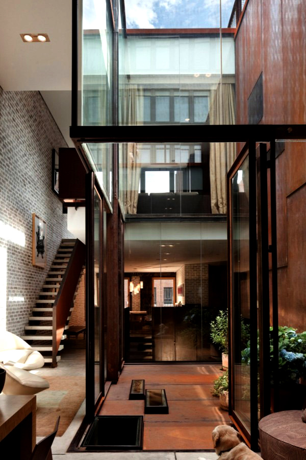 The inverted warehouse townhouse of new york home design for Modern house new york