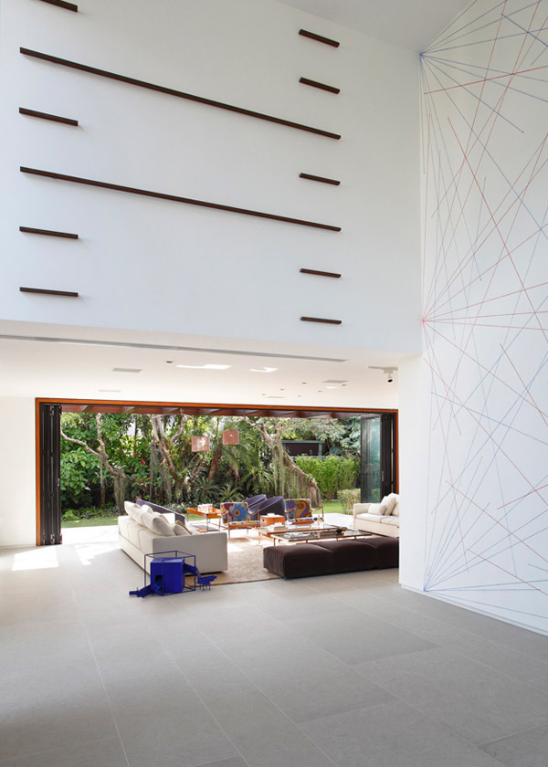 Itiquira House Interior