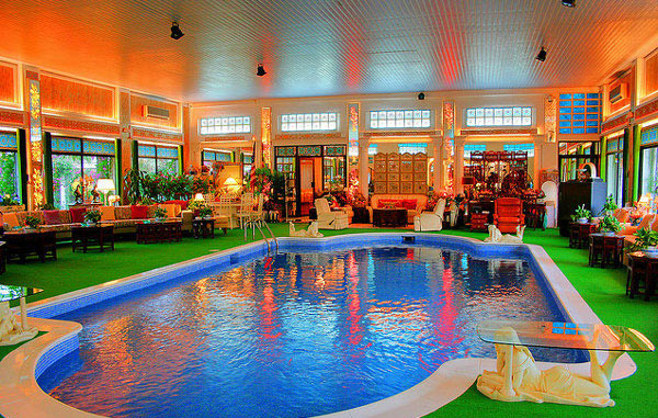 Magnificently Captured Indoor Pool Design