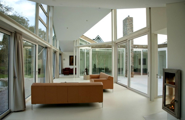Transparent Villa Glass Wall White Living Room
