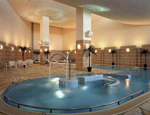 18 Rejuvenating Indoor Pool Inspirations