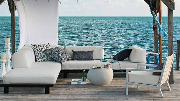 tips for outdoor living room
