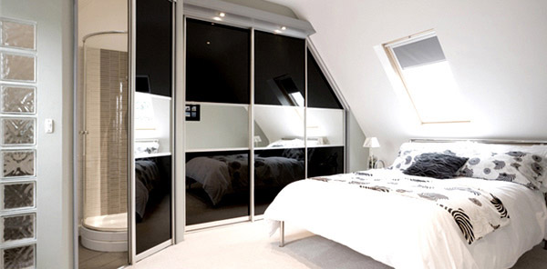 Black Glass Mirror Bed