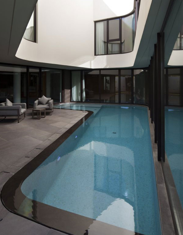 Mop House Swimming Pool 1