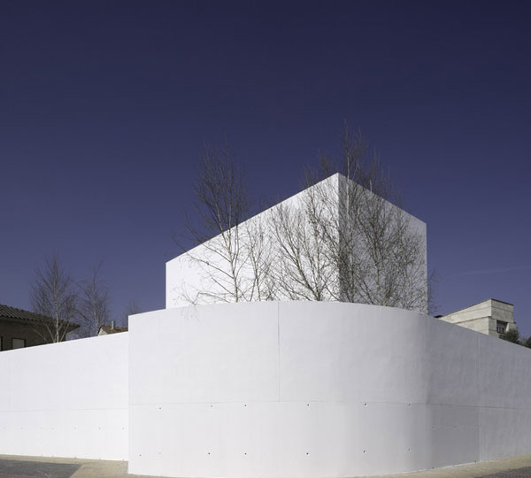 Moliner House Exterior 5