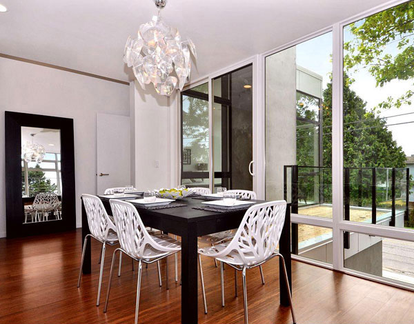Beachaus Residence Modern HOuse Dining Room