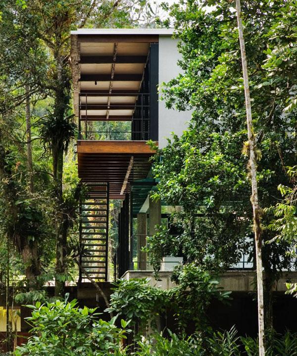 Iporanga House Exterior 2