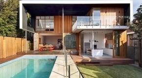 Sydney's Functional Modern CastleCrag Residence