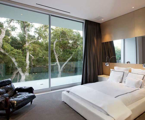 Glass Pavilion House Bedroom 1