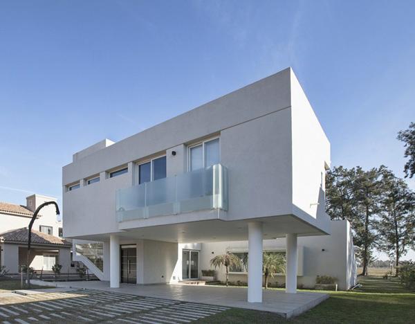 House RA Exterior 1