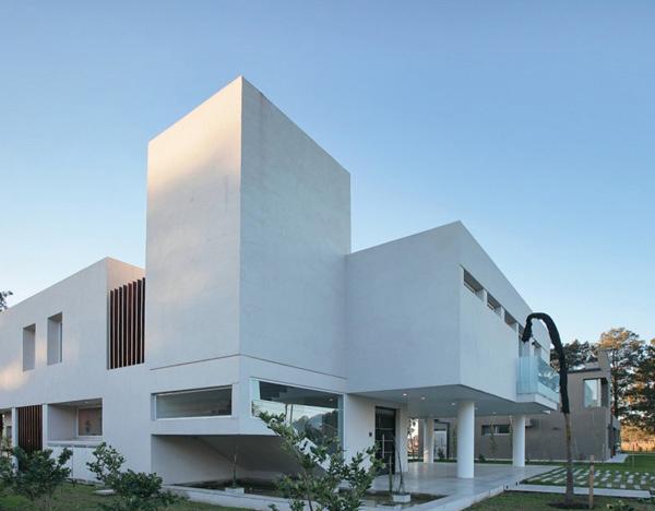 House RA Exterior 2