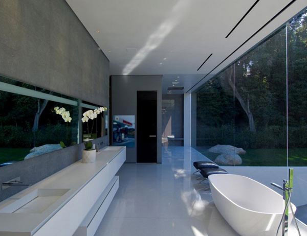Glass Pavilion House Bathroom 1