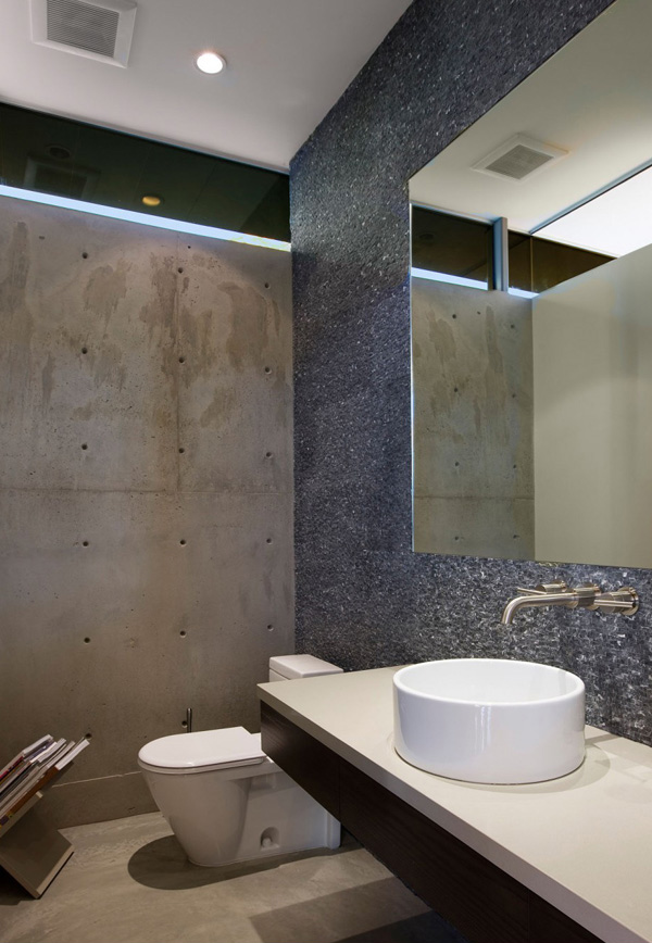 Lima Residence Bathroom