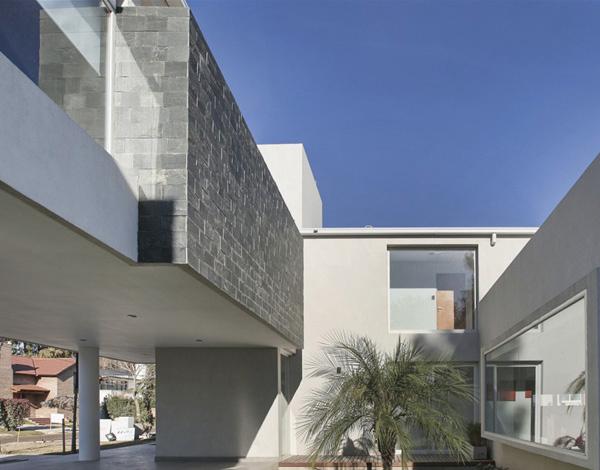 House RA Exterior 4