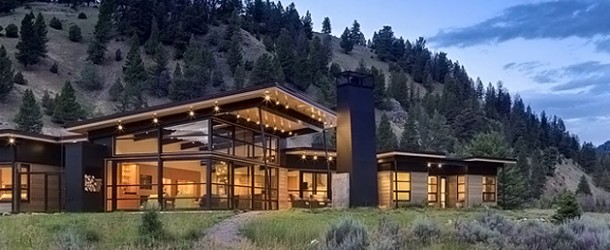 The Extravagant Views in the River Bank House in Big Sky, Montana
