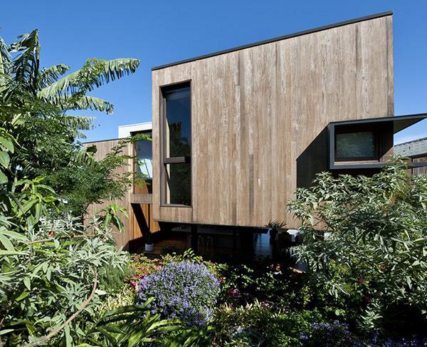Contemporary Flipped House design