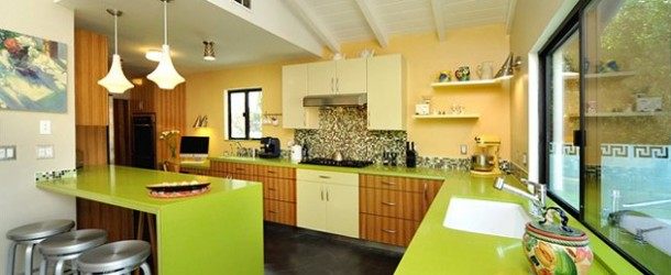 15 Amazingly Homey Green Kitchen Designs