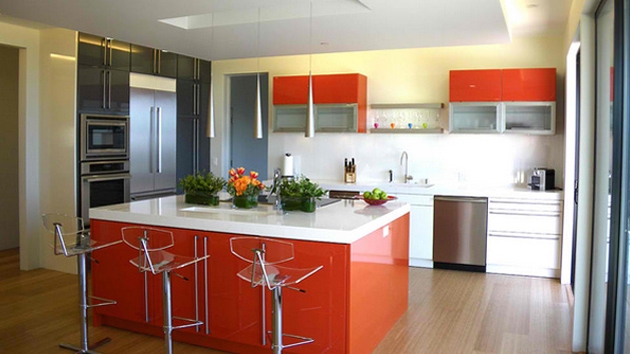 15 adorable multi colored kitchen designs home design lover for Kitchen designs and colors
