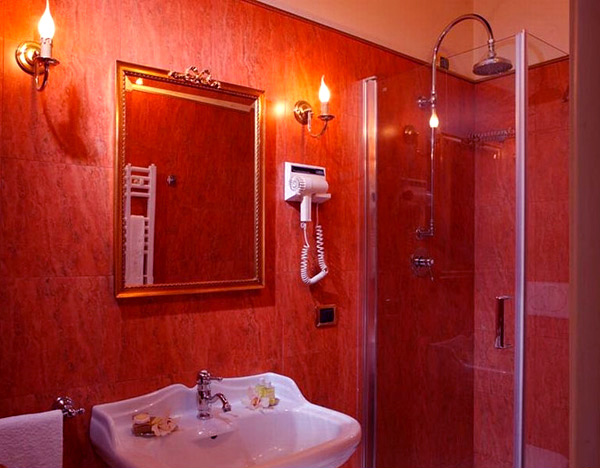 15 stunningly hot red bathroom designs home design lover for Bathroom designs red