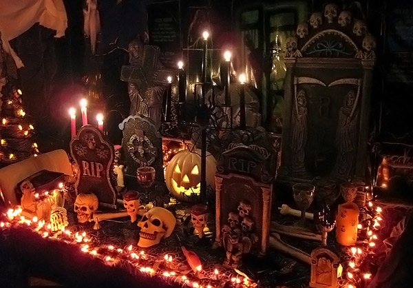 Spooky Halloween Home Decorations on spooky living room ideas