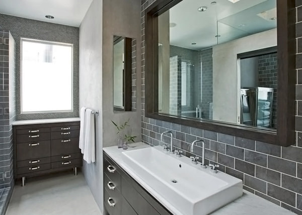 modern bathroom with gray finishes and marble ceramic tiles it also