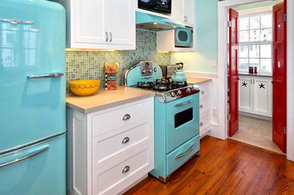 15 wonderfully made vintage kitchen designs home design for Retro kitchen ideas 1970