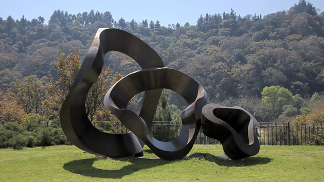 20 Distinctively Artistic Abstract And Free Form Garden Sculptures Home Design Lover