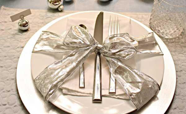 Christmas Table Setting 1
