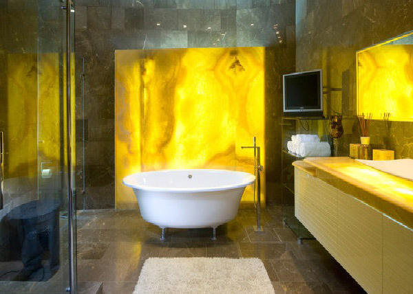 15 charming yellow bathroom design ideas home design lover for Bathroom ideas yellow