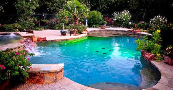 15 fabulous swimming pool with spa designs home design lover - What do dreams about swimming pools mean ...
