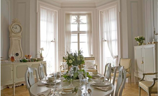 White Gustavian Living Room