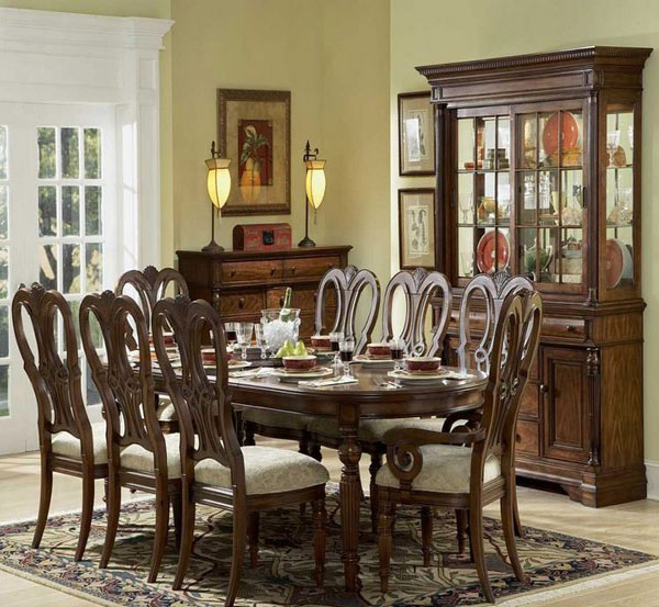 20 traditional dining room designs home design lover for Classic dining room ideas
