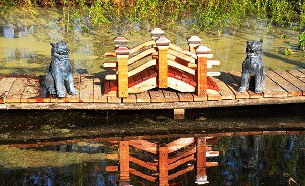 Japanese Wooden Garden Bridge 15 japanese inspired garden bridges | home design lover