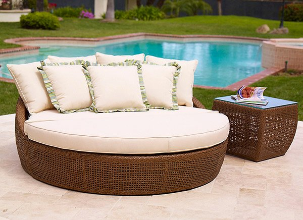 Outdoor Lounges Daybeds