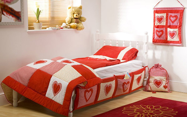 Fall in love with 15 heart themed bedroom designs home - White heart bedroom furniture ...