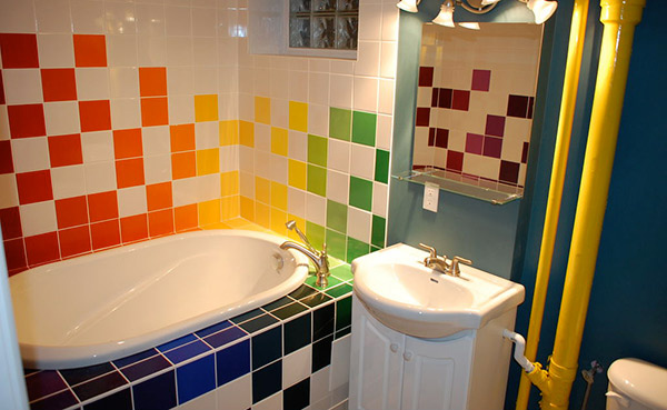 15 lively multi colored bathroom designs home design lover for Colourful bathroom ideas
