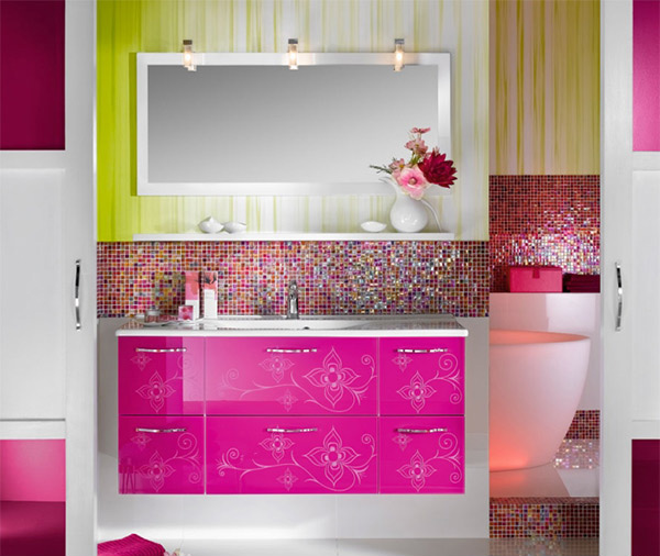 15 Lively Multi-Colored Bathroom Designs