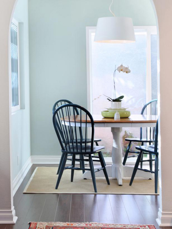 15 appealing small dining room ideas home design lover for Small dining room ideas