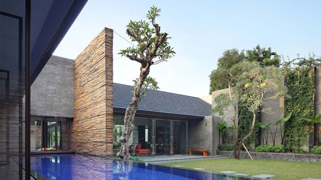 The renovated diminished house in south jakarta indonesia for House interior design jakarta