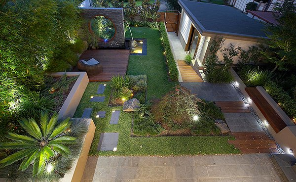 15 modern and contemporary courtyard gardens in the city for Home lawn design