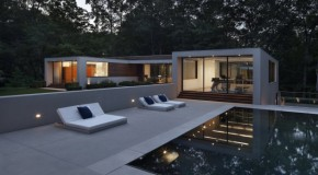New Canaan Residence: A Modern Home in Nature's Nest