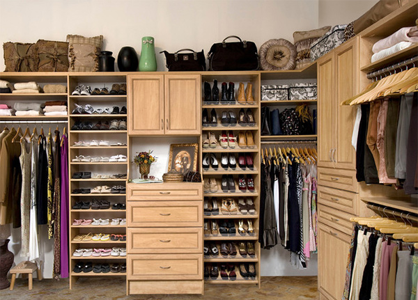 Custom Walk-In Closet Organizers: Candlelight