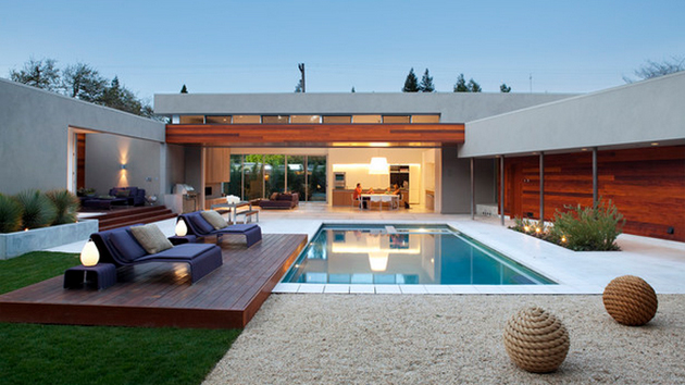 15 stimulating modern contemporary hardscapes with wood for Modern house landscaping