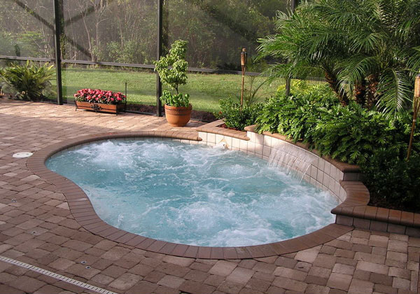 Small built in pools joy studio design gallery best design - Outdoor decoratie zwembad ...